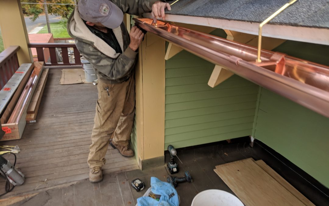 Installing weather-resistant copper gutters